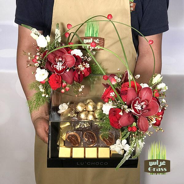 LU'CHOCO Chocolate Acrylic Base with flower 3